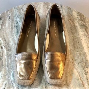 Antonio Melani size 6 loafers metallic